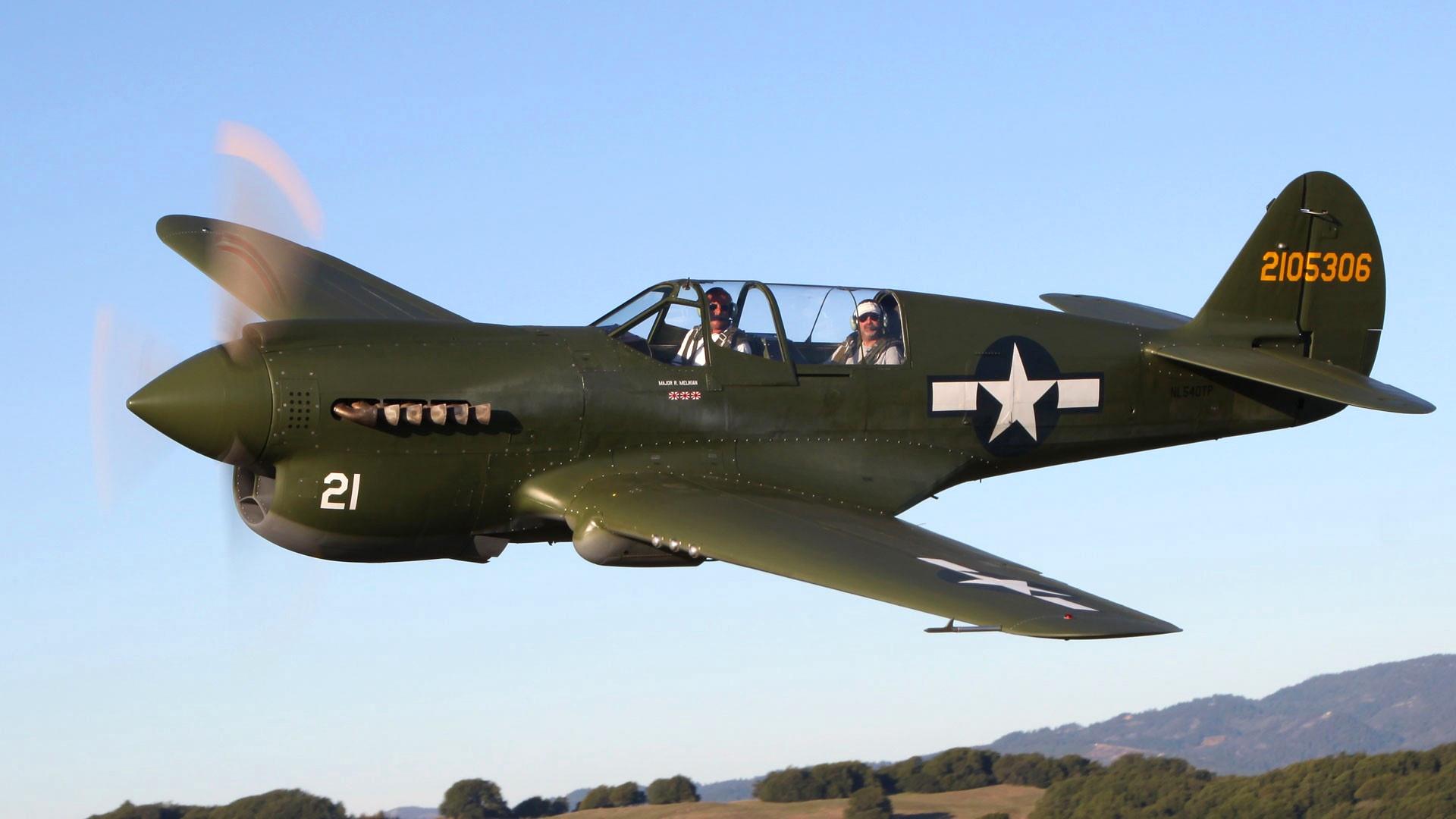 Истребитель Curtiss P-40 в небе, обои на рабочий стол малая авиация, самолеты, 1920 на 1080 пикселей