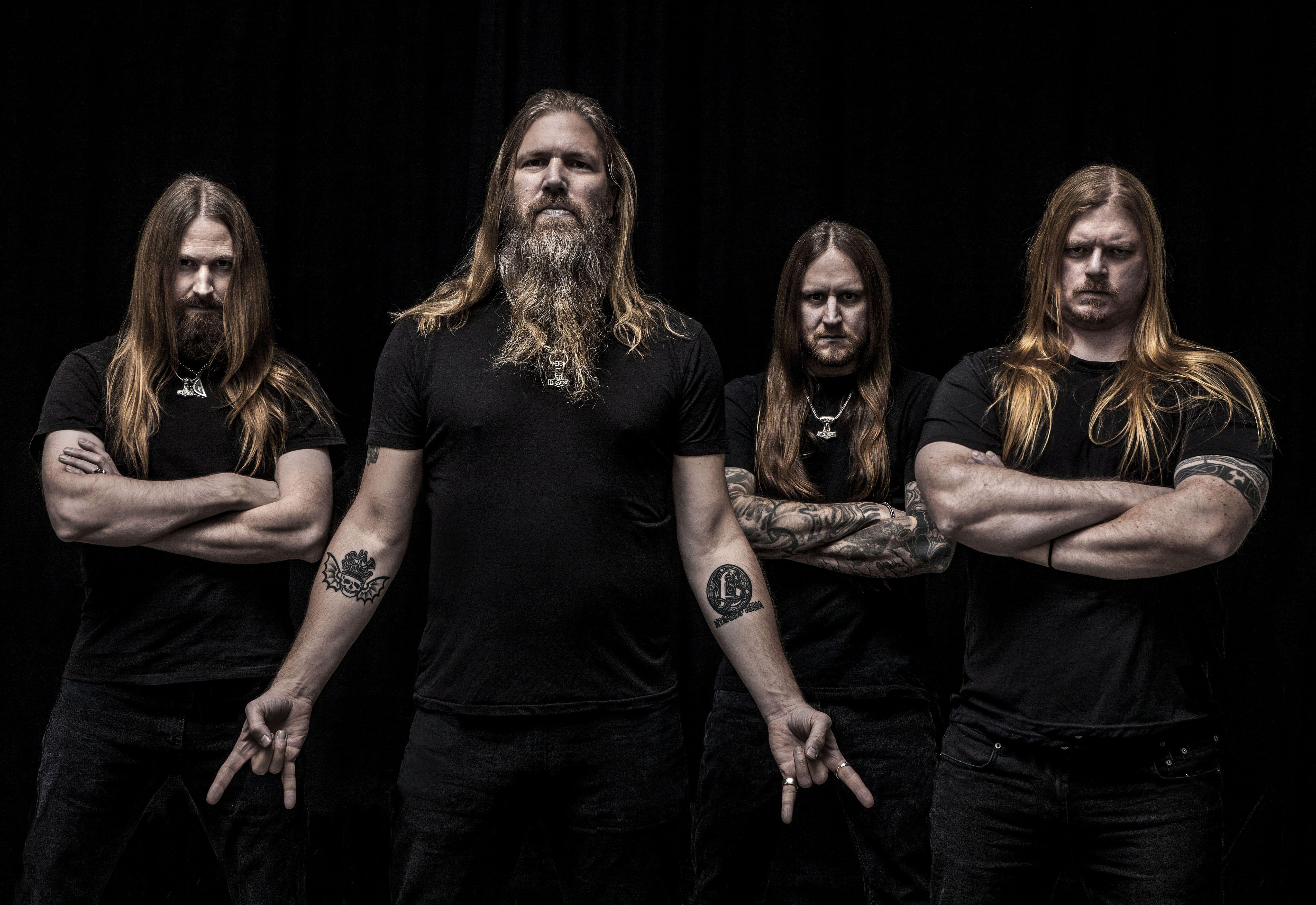 Метал группа Amon Amarth из Швеции на черном фоне, 5120 на 3520 пикселей