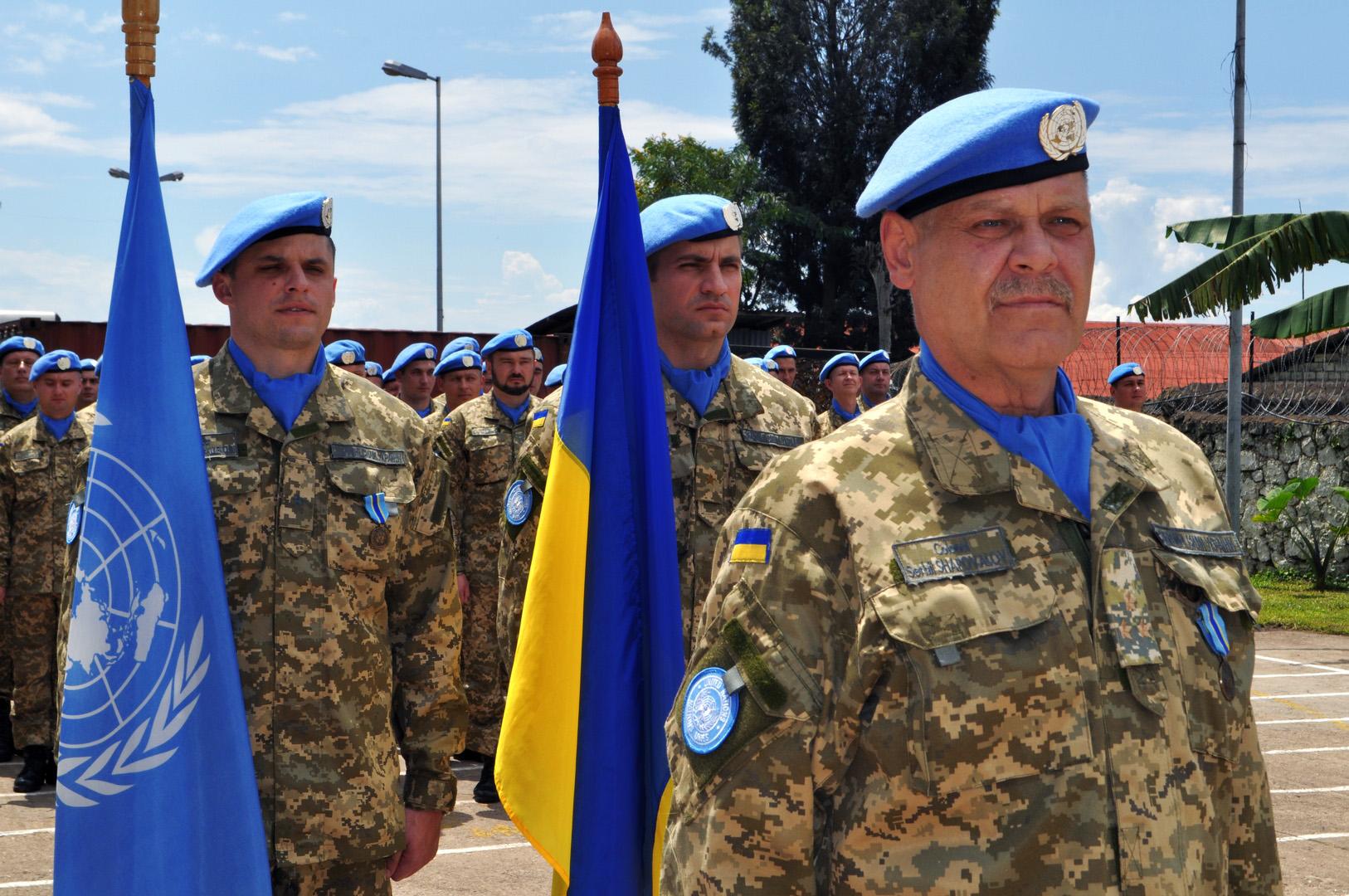 15 липня день українських миротворців, заставка на рабочий стол айфон 5, 1626 на 1080 пикселей
