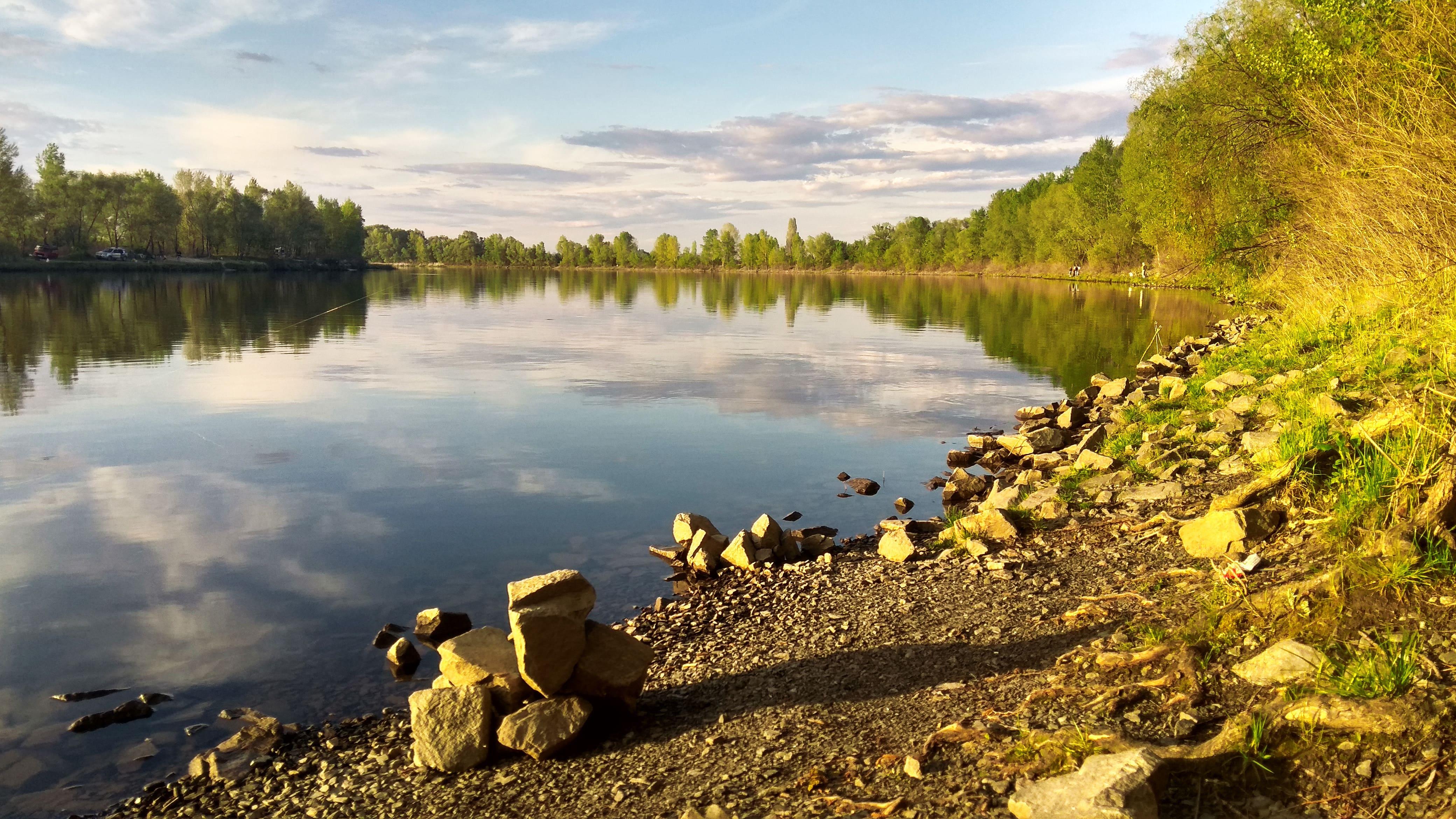 HDoboi.Kiev.ua - Каменистый берег у озера, природа, вода, камни