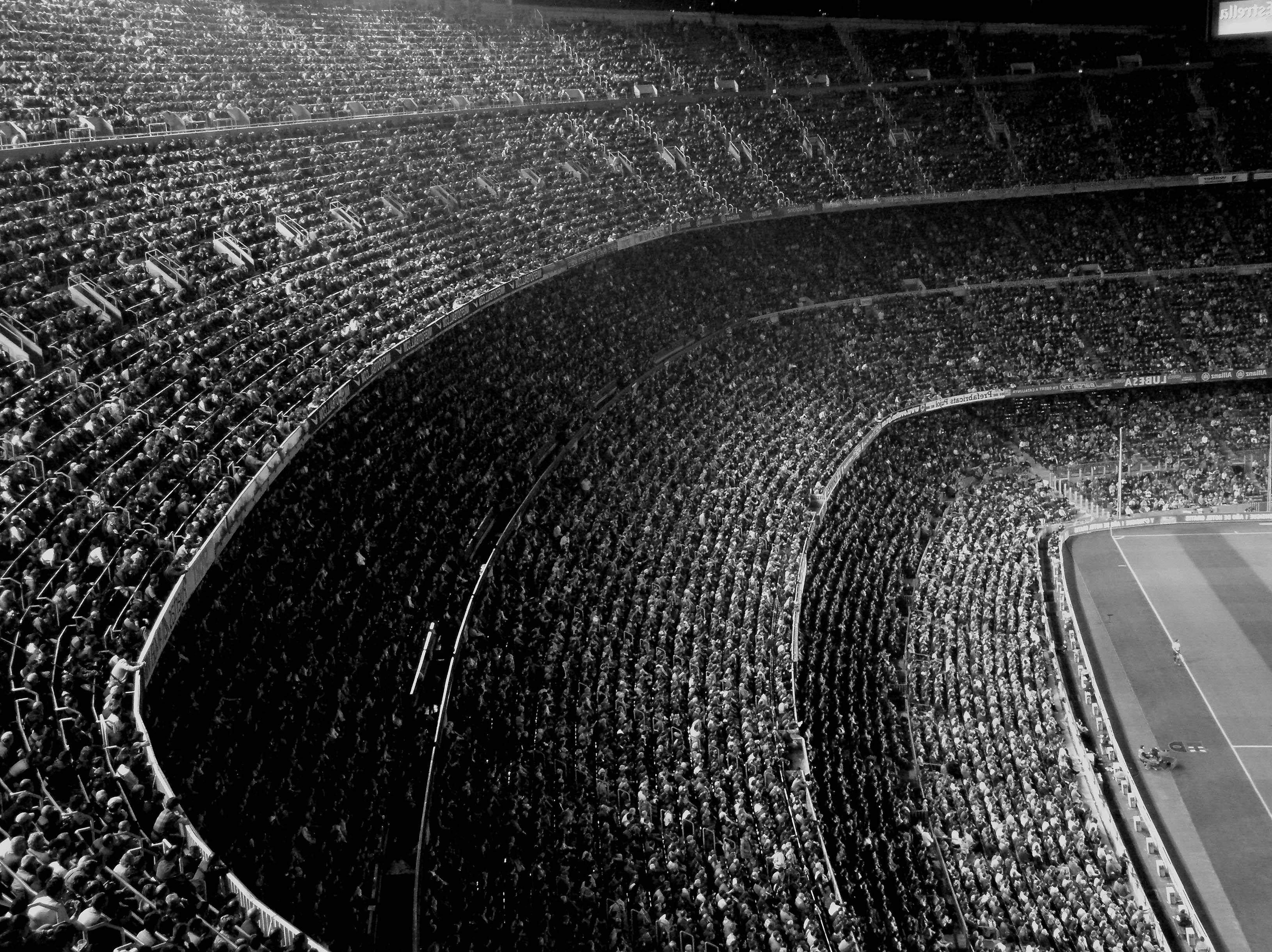 HDoboi.Kiev.ua - Футбольный стадион, черно белые обои на телефон высокого