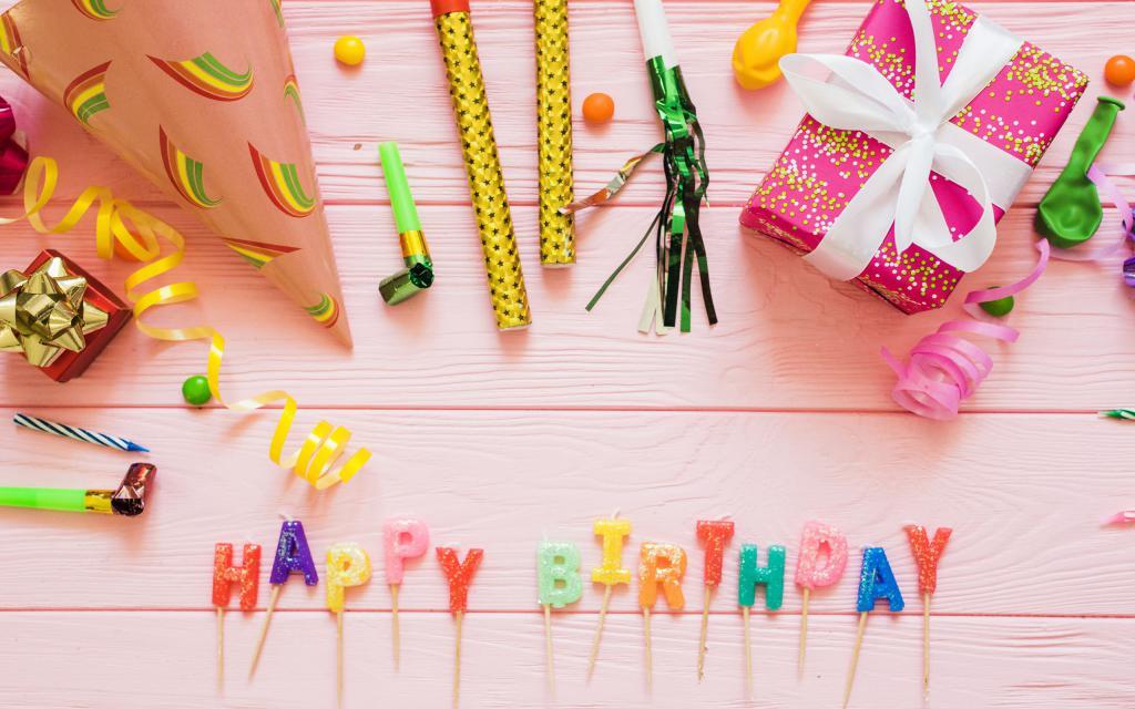 Украшения на День рождения, надпись на картинке Happy Birdthday, 2560 на 1600 пикселей