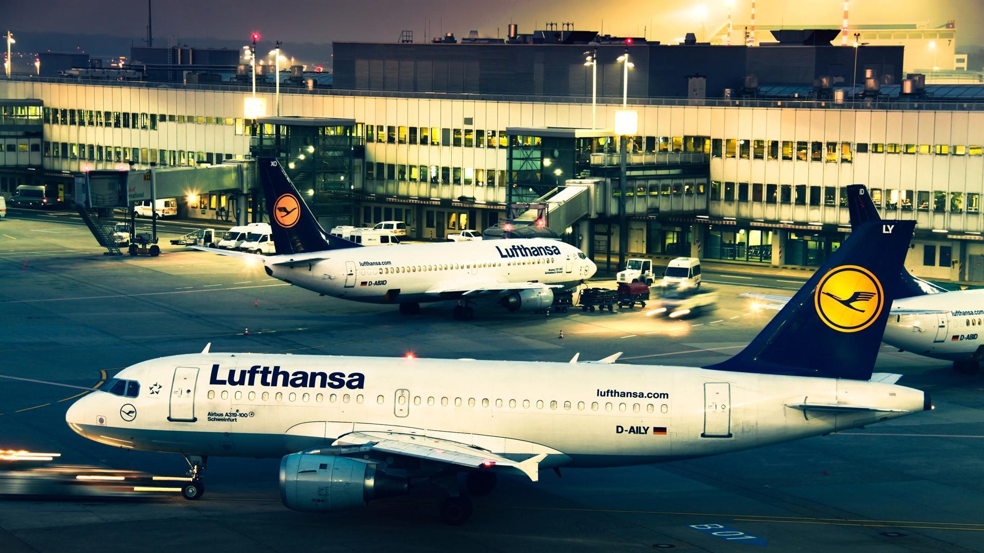 Самолет Airbus, обои на смартфон самолеты, авиация, Lufthansa, 1920 на 1080 пикселей