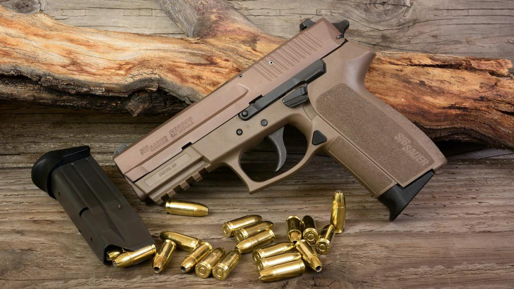 Пистолет Sig Sauer P2022, обои на телефон андроид скачать оружие, 1920 на 1080 пикселей