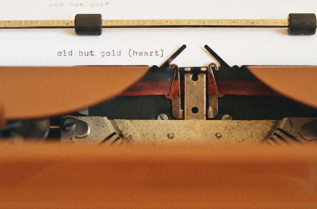 Ретро пишущая машинка, винтаж 5K Ultra HD, 4890 на 3239 пикселей