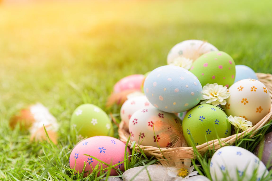 Пасхальные яйца в корзине, Пасха 2020, Христос Воскрес, 5520 на 3684 пикселей