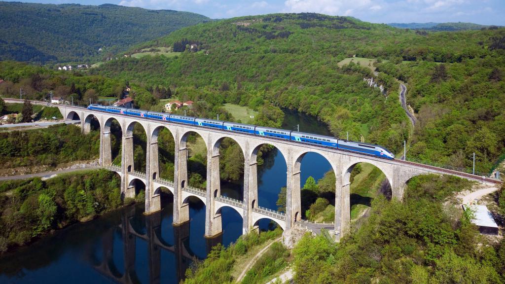 Франция / Виадук, город обои природа, страны заставки, 2560 на 1440 пикселей